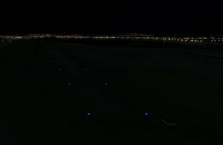 10434 B / 750 x 487 / LKKO night.jpg