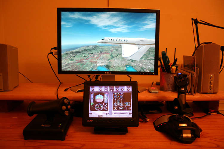 49540 B / 750 x 500 / cockpit.jpg