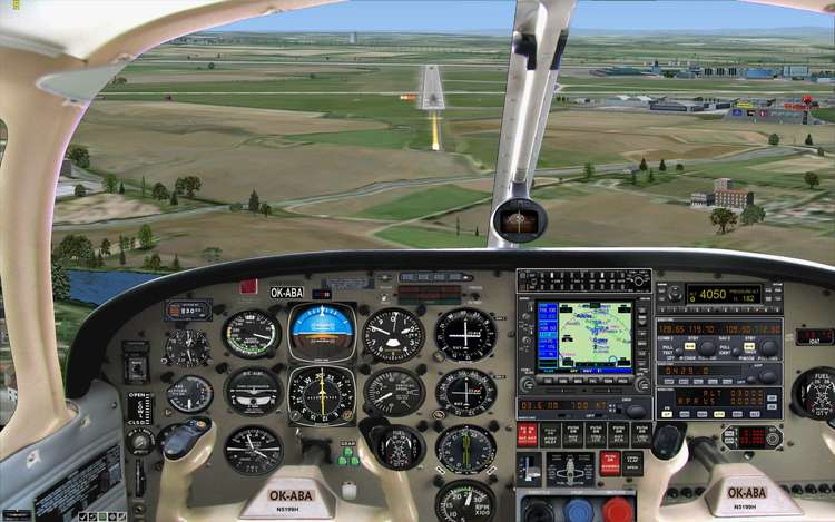 57006 B / 750 x 469 / Piper 28 pristáva na LKPR-30.jpg