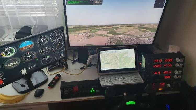 32768 B / 750 x 422 / cockpit.jpg