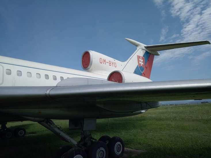 25556 B / 733 x 550 / TU-154M2.jpg